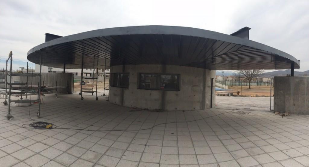 Cubiertas Diansa participa en las obras del polideportivo de Baza revistiendo fachadas.