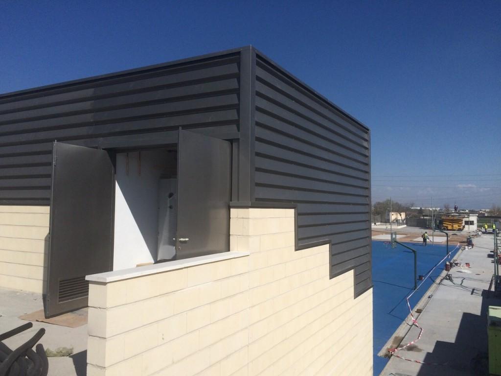 Cubiertas Diansa participa en la obra del polideportivo de Baza revistiendo las fachadas.