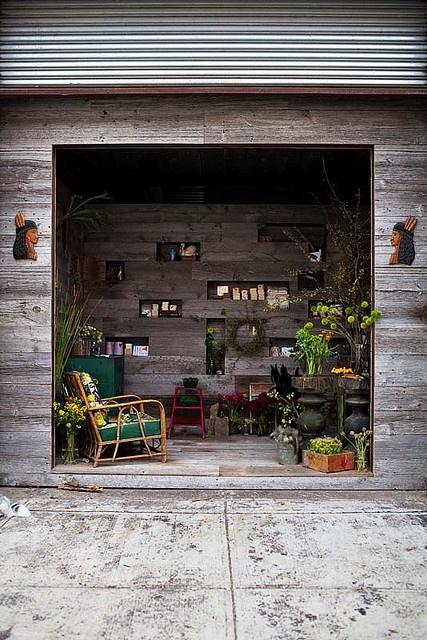 fachada de tienda de plantas