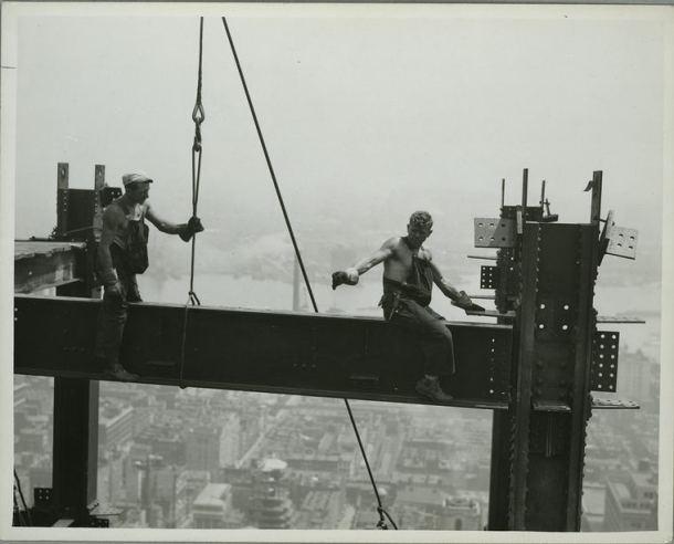 arquitectos y obreros de fachadas