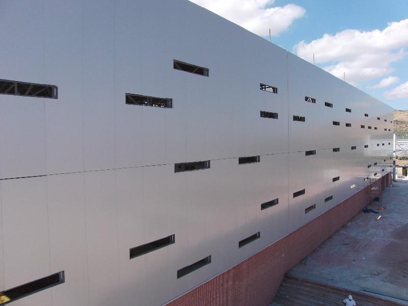 fachada-panel-sándwich