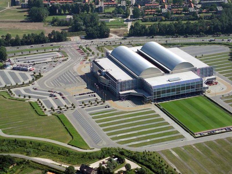 Cubierta del estadio de fútbol Gelredome Arena