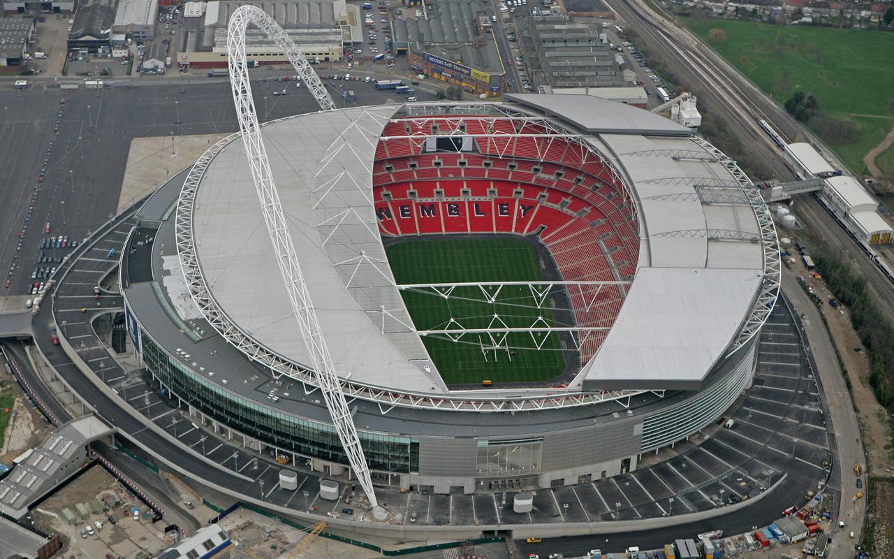 Cubierta del estadio de fútbol Wembley