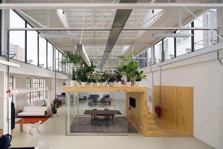 Naves industriales rehabilitadas cubiertas diansa for Diseno oficinas industriales