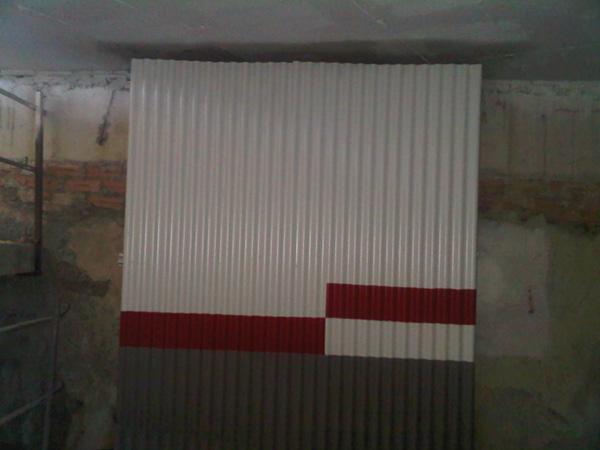 Fachada de chapa de cámara bufa en Algeciras