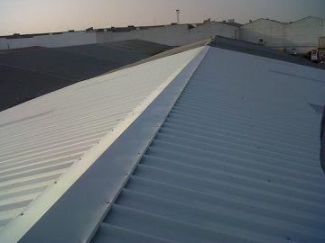 Rehabilitación de cubiertas in situ en comercial de papelería en Sevilla