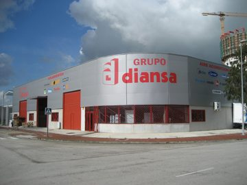 Fachada de panel de la delegación de Diansa en Algeciras