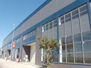 Fachada de panel del edificio ATISAE